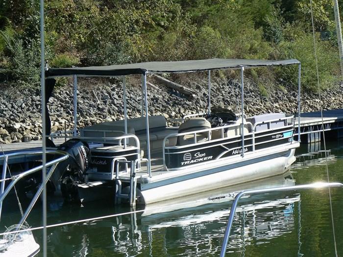 2017 Tracker 20 Fishin Barge 211 Photo 12 sur 20