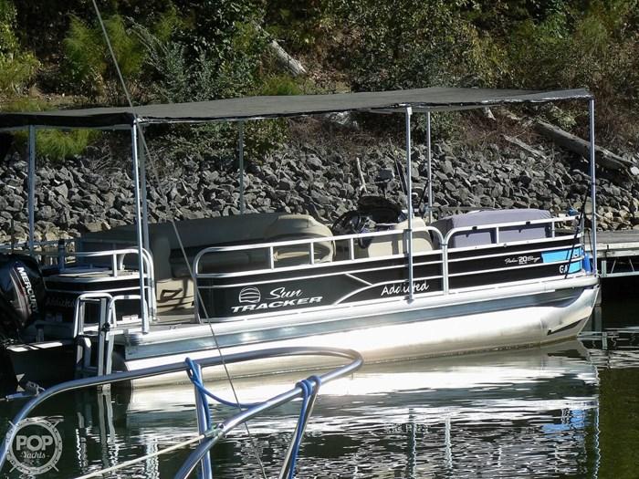 2017 Tracker 20 Fishin Barge 211 Photo 13 sur 20