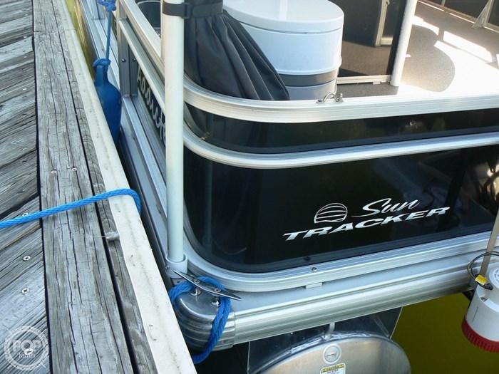 2017 Tracker 20 Fishin Barge 211 Photo 17 sur 20