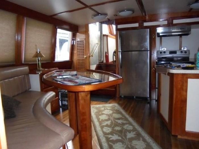 2013 Seaton Pilot House Trawler Photo 19 sur 42