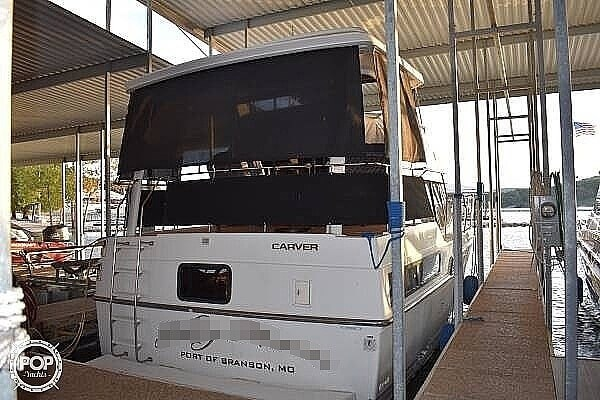 1992 Carver 33 Aft Cabin Photo 5 of 20