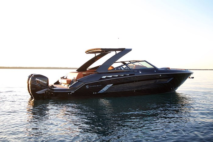 2022 Cruisers Yachts 338 Outboard Photo 3 sur 14