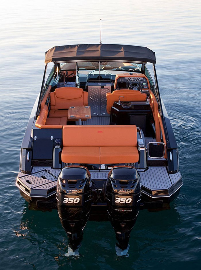 2022 Cruisers Yachts 338 Outboard Photo 4 sur 14