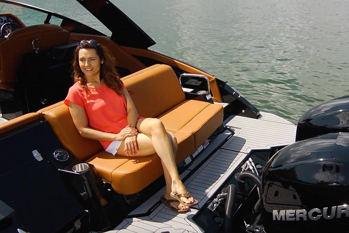 2022 Cruisers Yachts 338 Outboard Photo 5 sur 14