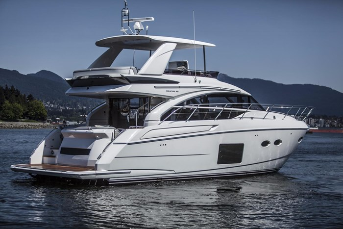 2015 Princess 52 Flybridge Photo 2 sur 63