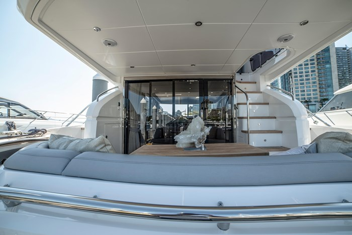 2015 Princess 52 Flybridge Photo 4 sur 63