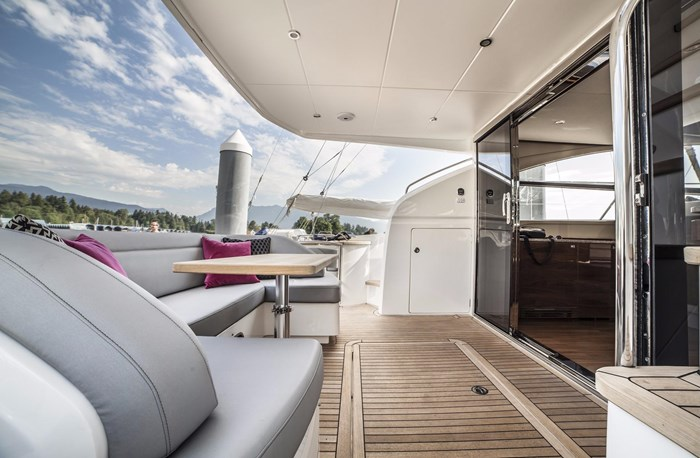 2015 Princess 52 Flybridge Photo 5 sur 63