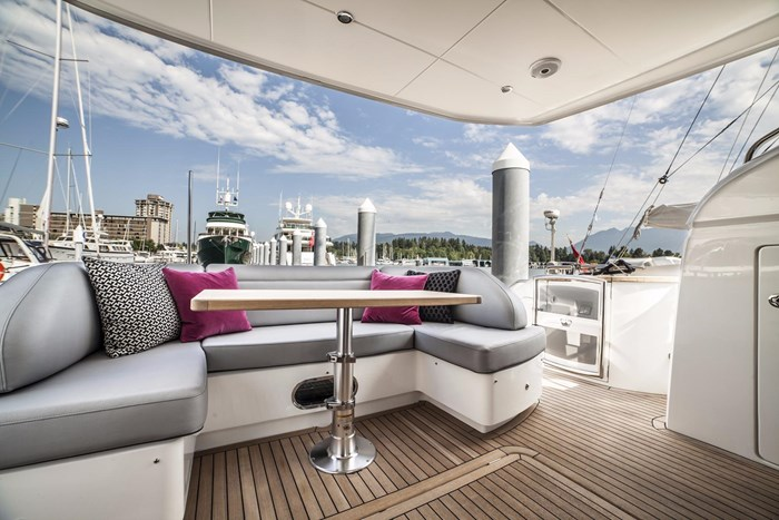 2015 Princess 52 Flybridge Photo 8 sur 63