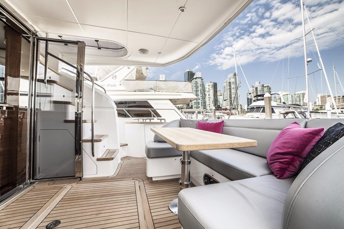 2015 Princess 52 Flybridge Photo 9 sur 63