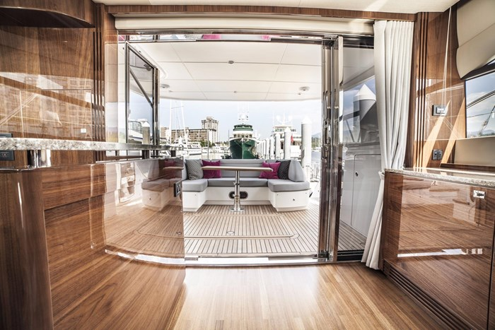 2015 Princess 52 Flybridge Photo 12 sur 63