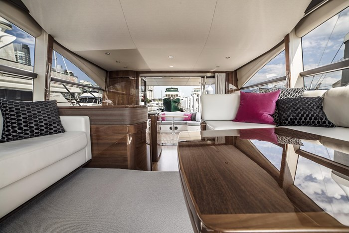 2015 Princess 52 Flybridge Photo 24 sur 63