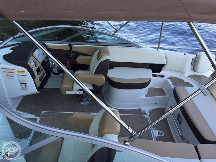 2015 Cruisers Yachts Sport Series 258 BR Photo 5 sur 21