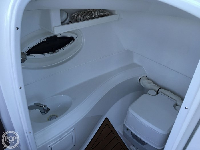 2015 Cruisers Yachts Sport Series 258 BR Photo 16 sur 21