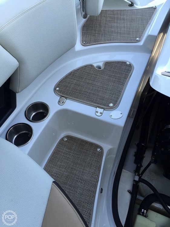 2015 Cruisers Yachts Sport Series 258 BR Photo 18 sur 21