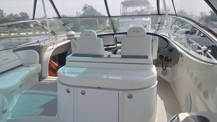 2008 Cruisers Yachts 560 Express Photo 16 sur 66
