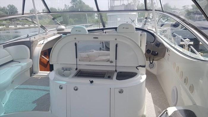 2008 Cruisers Yachts 560 Express Photo 17 sur 66