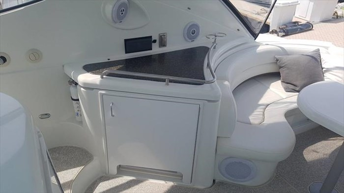 2008 Cruisers Yachts 560 Express Photo 18 sur 66