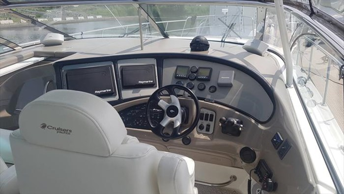 2008 Cruisers Yachts 560 Express Photo 20 sur 66