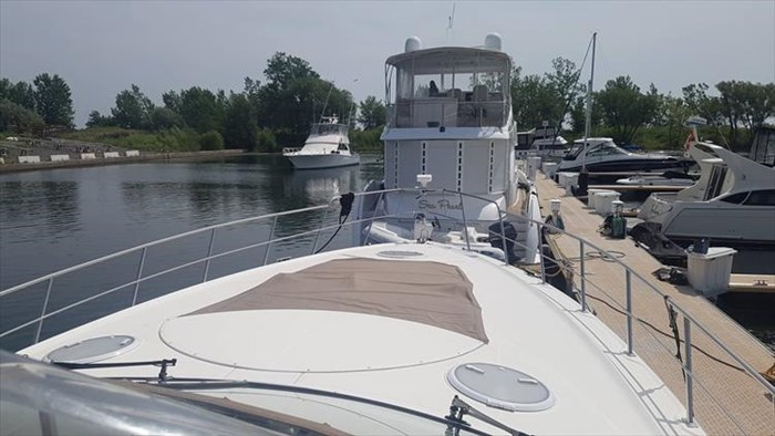 2008 Cruisers Yachts 560 Express Photo 24 sur 66