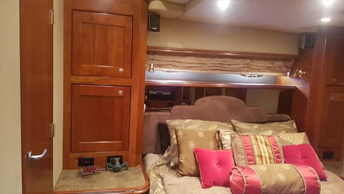 2008 Cruisers Yachts 560 Express Photo 36 sur 66