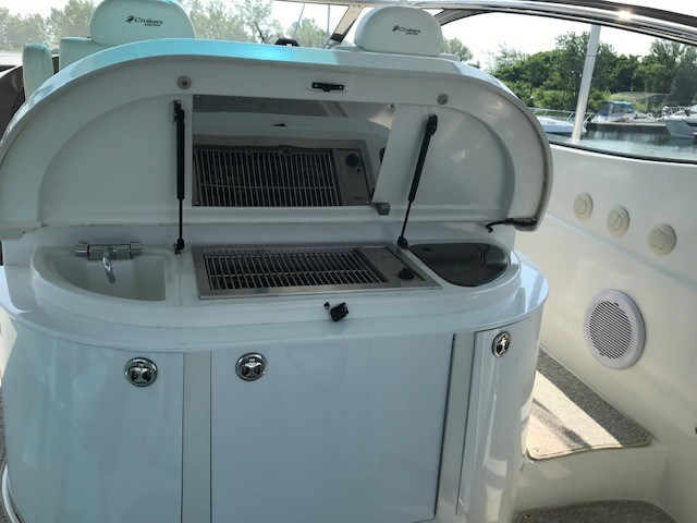 2008 Cruisers Yachts 560 Express Photo 56 sur 66