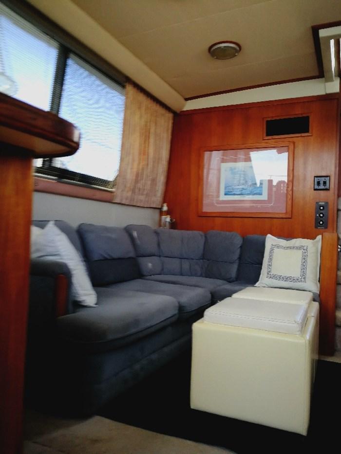 1989 Carver 3807 Aft Cabin Photo 19 of 44