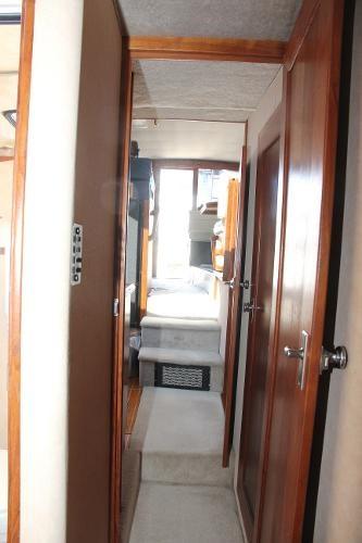1990 Bayliner 3888 Motoryacht Photo 54 of 105