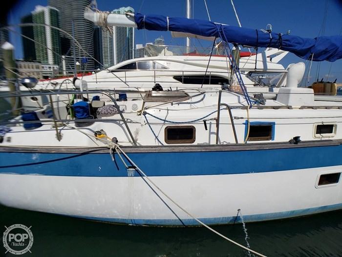1981 Lancer Yachts 42 Masthead Sloop Photo 14 sur 20