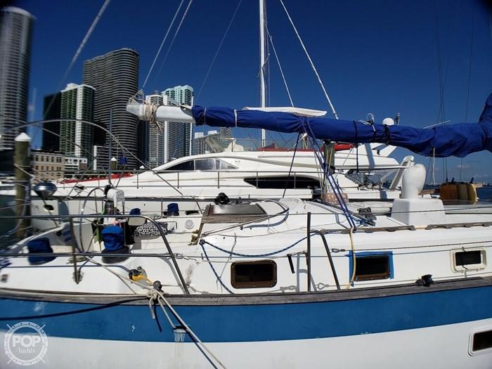 1981 Lancer Yachts 42 Masthead Sloop Photo 15 sur 20