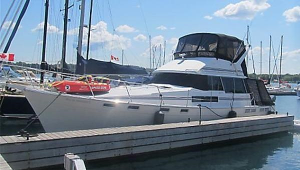 1989 Bayliner 3888 Motoryacht Photo 1 sur 9