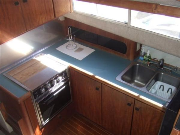 1989 Bayliner 3888 Motoryacht Photo 2 sur 9