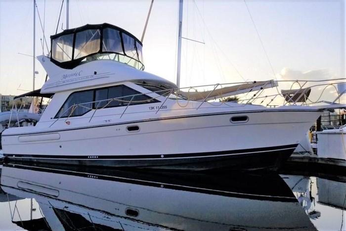 2000 Bayliner 3388 Command Bridge Motoryacht Photo 1 sur 51
