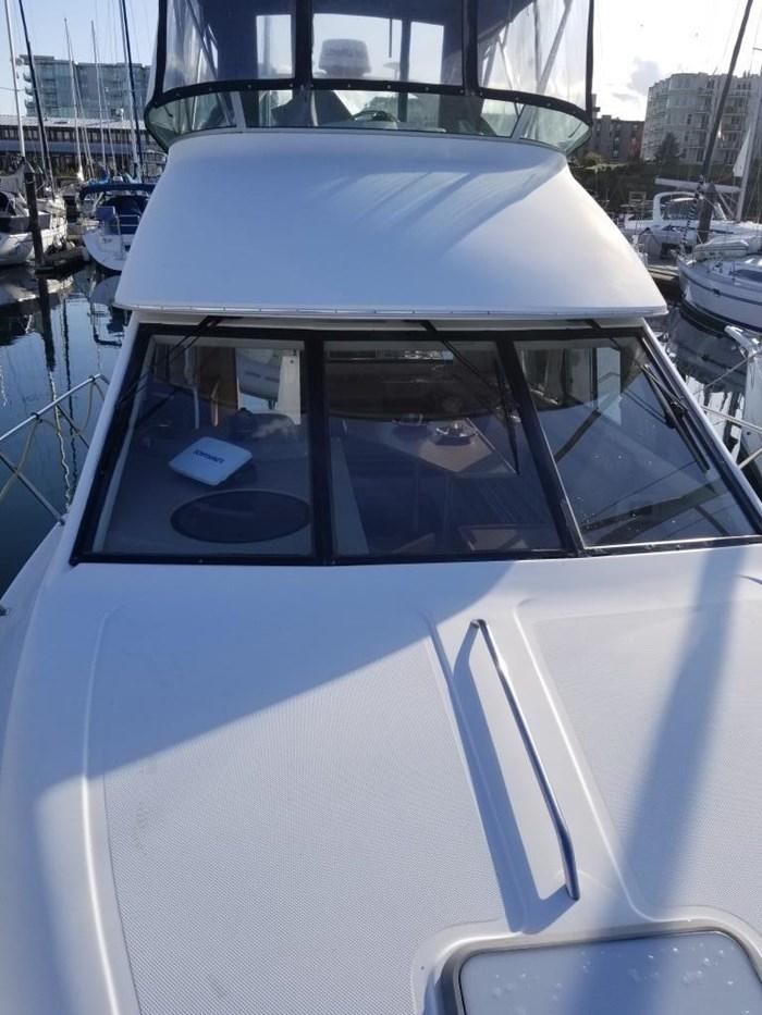 2000 Bayliner Command Bridge Motoryacht Photo 12 of 51