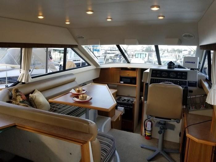 2000 Bayliner Command Bridge Motoryacht Photo 13 of 51