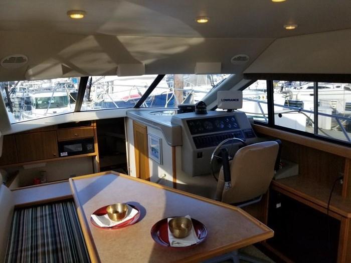 2000 Bayliner Command Bridge Motoryacht Photo 14 of 51