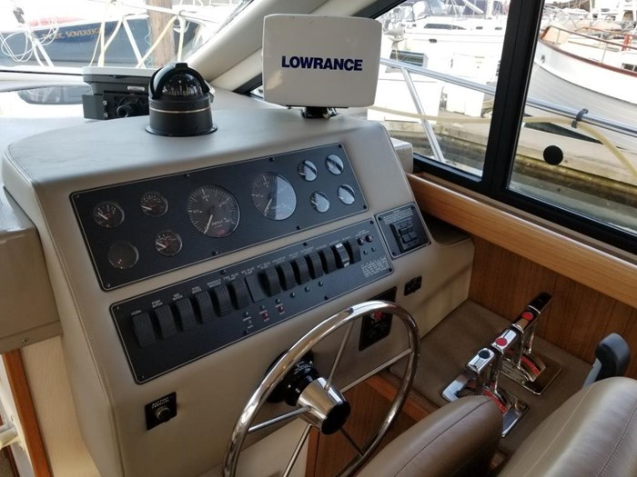 2000 Bayliner 3388 Command Bridge Motoryacht Photo 23 sur 51