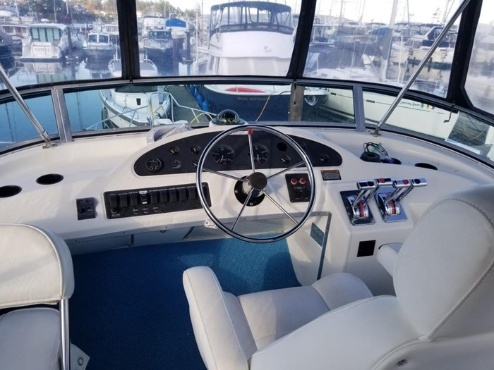 2000 Bayliner 3388 Command Bridge Motoryacht Photo 38 sur 51
