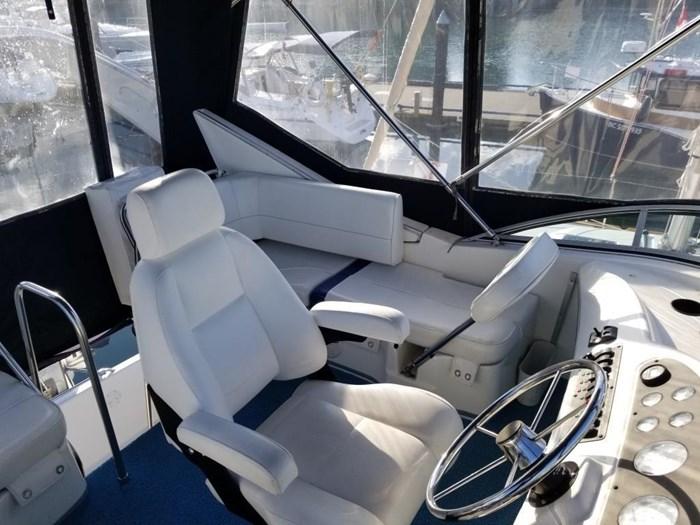 2000 Bayliner Command Bridge Motoryacht Photo 41 of 51