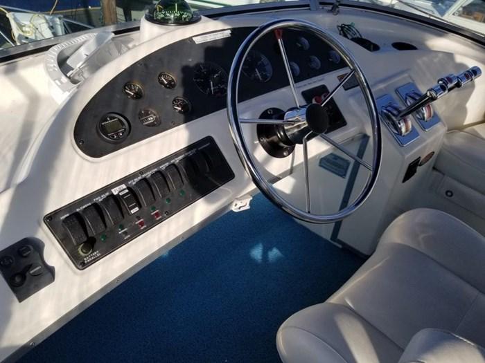 2000 Bayliner Command Bridge Motoryacht Photo 46 of 51