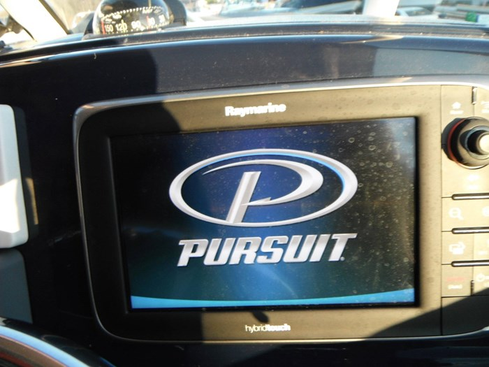 2014 Pursuit DC 265 Dual Console Photo 10 of 23
