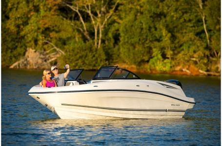2020 Bayliner VR5 Bowrider Photo 19 of 34
