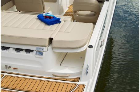 2020 Bayliner VR5 Bowrider Photo 21 of 34