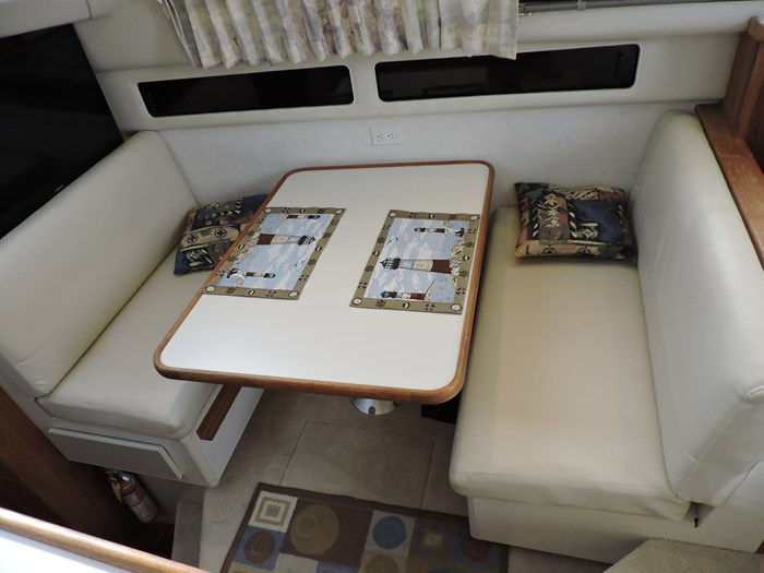 1992 Carver 33 Aft Cabin Photo 51 of 82
