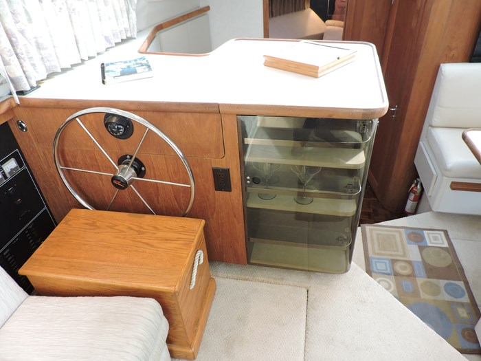 1992 Carver 33 Aft Cabin Photo 53 of 82