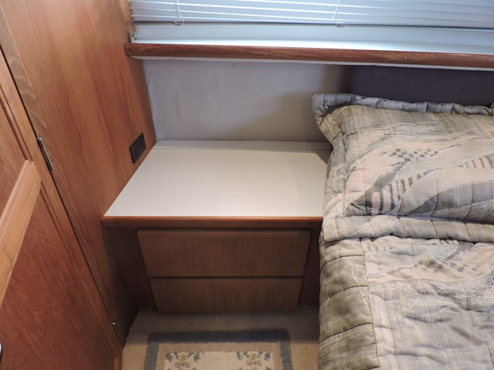 1992 Carver 33 Aft Cabin Photo 58 of 82