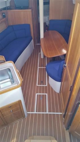 2008 Catalina 320 MkII Photo 24 of 34
