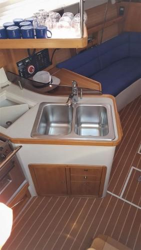 2008 Catalina 320 MkII Photo 28 of 34