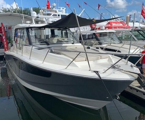 2020 Boston Whaler 405 Conquest Photo 1 sur 19