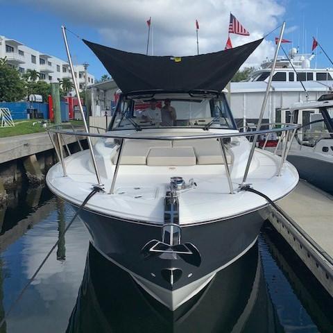 2020 Boston Whaler 405 Conquest Photo 2 sur 19