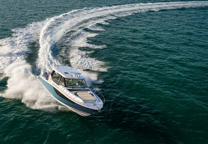 2020 Boston Whaler 405 Conquest Photo 9 sur 19